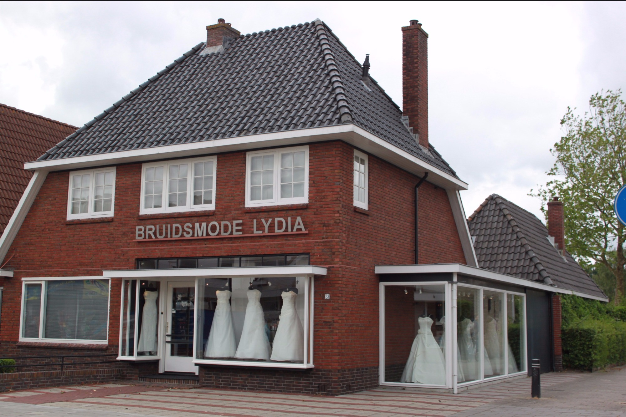 Nieuwe collectie 2018 en outlet budget collectie | Bruidsmode Lydia